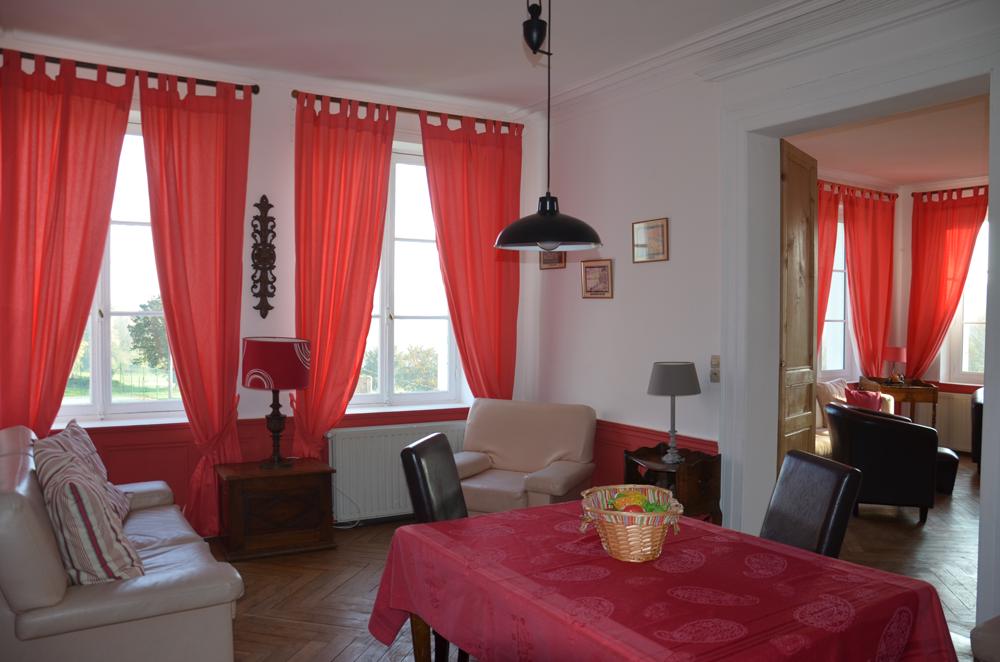 petite salle a manger. Black Bedroom Furniture Sets. Home Design Ideas